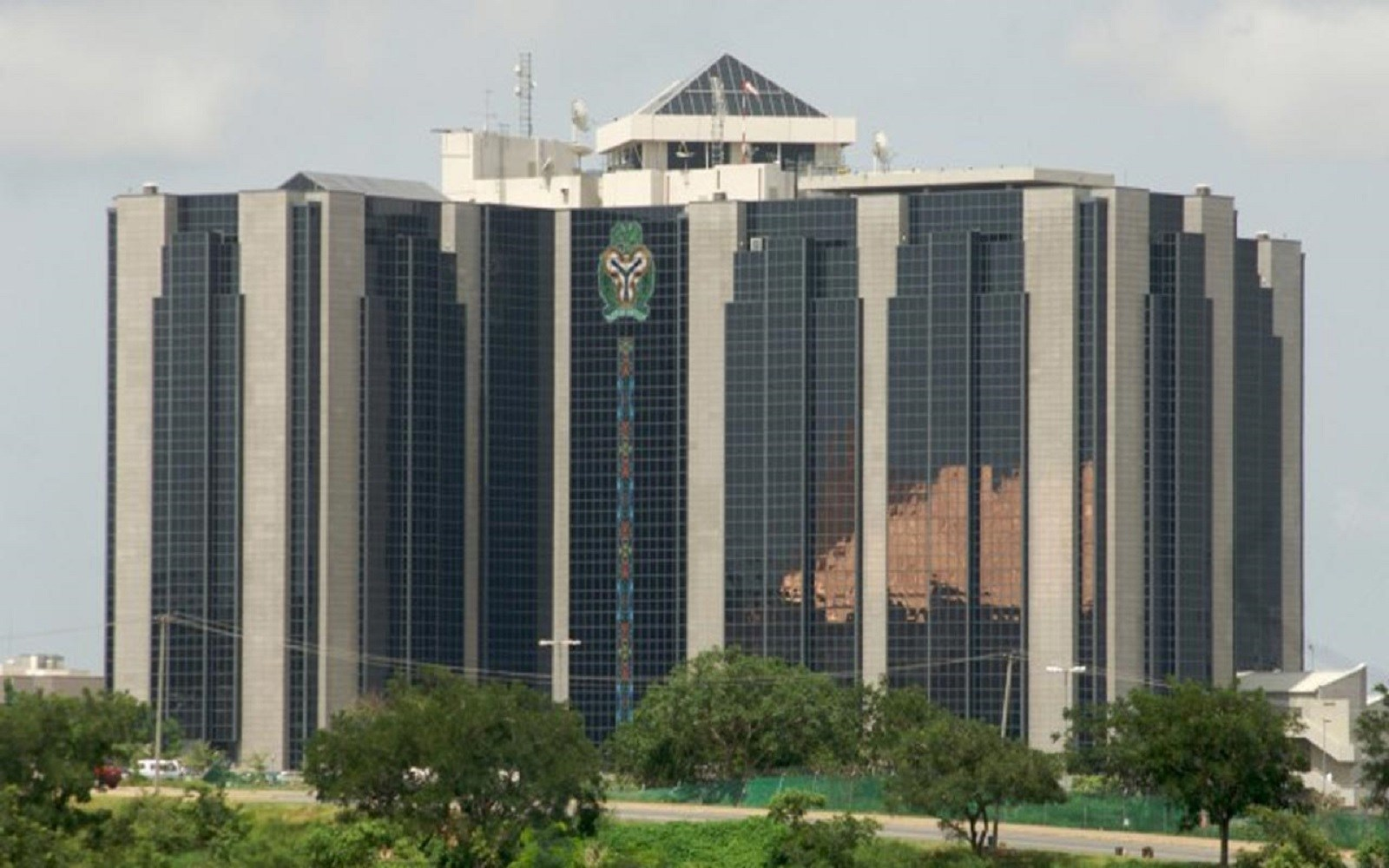The Central Bank of Nigeria (CBN), said the aggregate foreign exchange inflow into the country stood at $91 billion in 2017, a record compared with 2016.