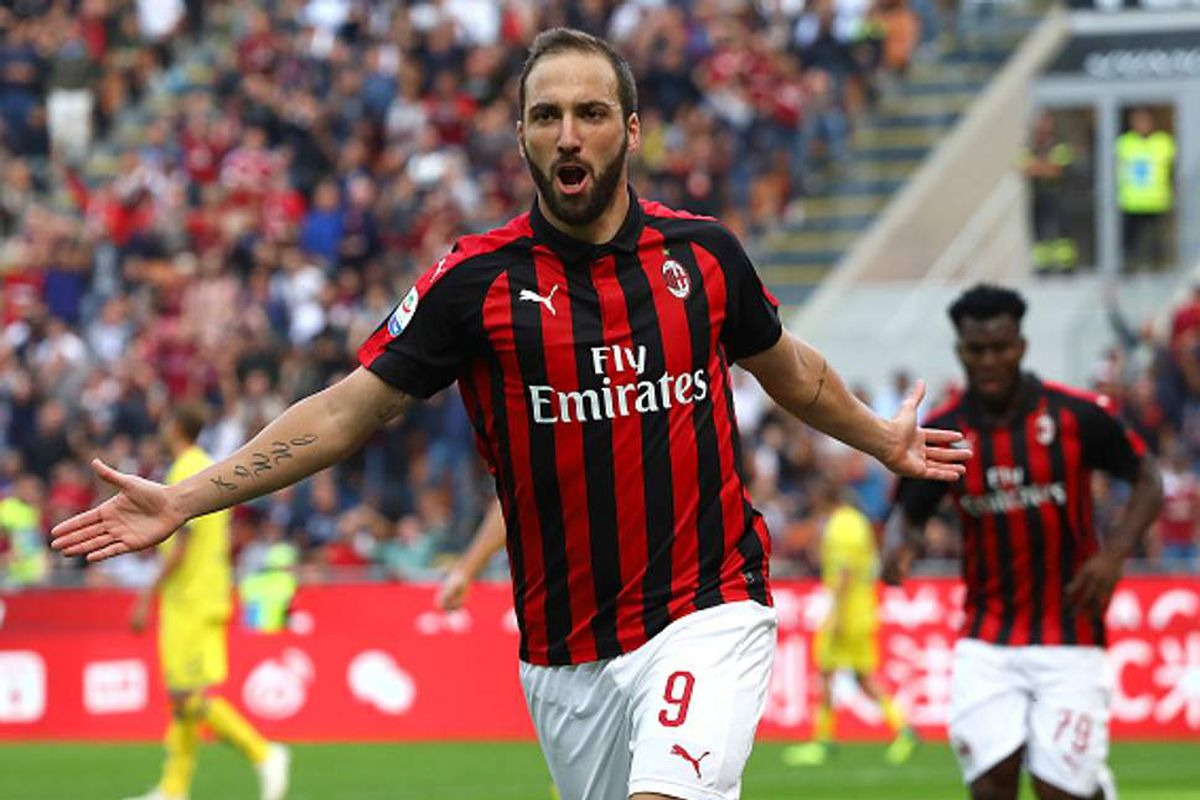Higuain declined of a move to Chelsea