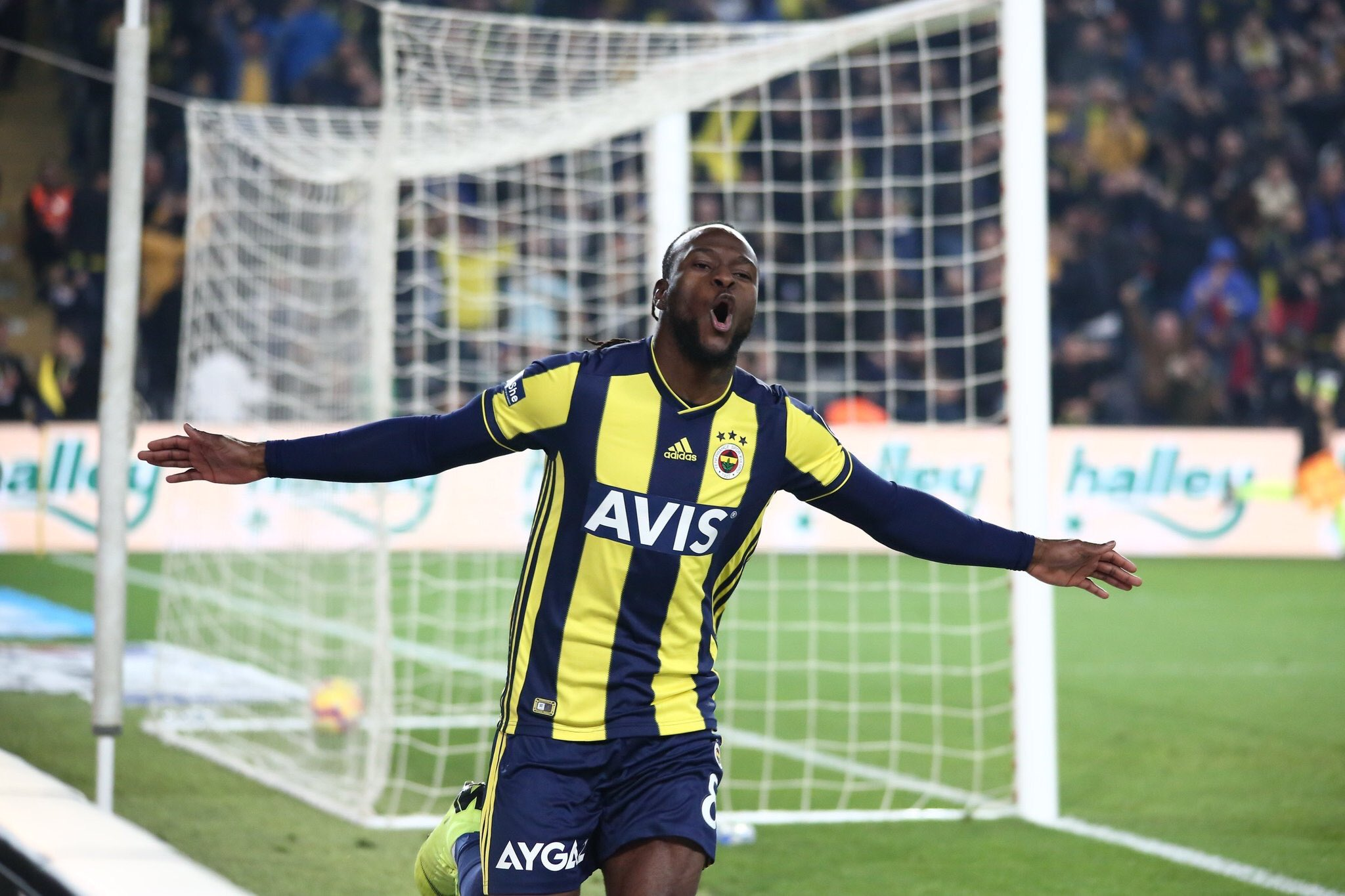 Moses scores first goal for Fenerbahce