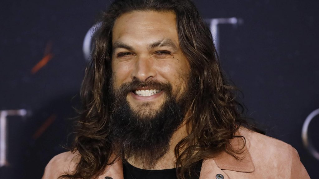 Jason Momoa shaves iconic beard to promote recycling