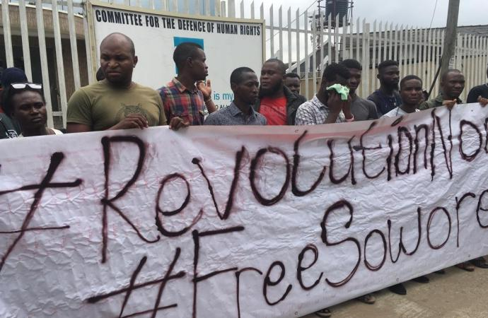 police arrest #RevolutionNow protesters
